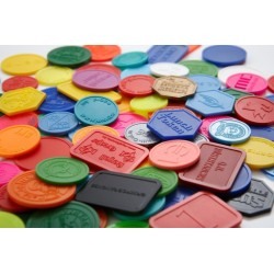 Rūpnieciski ražoti plastmasas žetoni un monētas