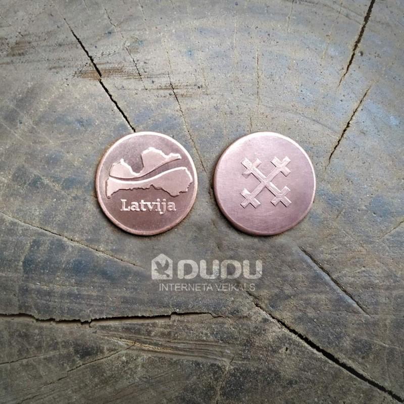 """Kalta vara monēta """"Latvija / Latvju zīme Māras krusts"""""""