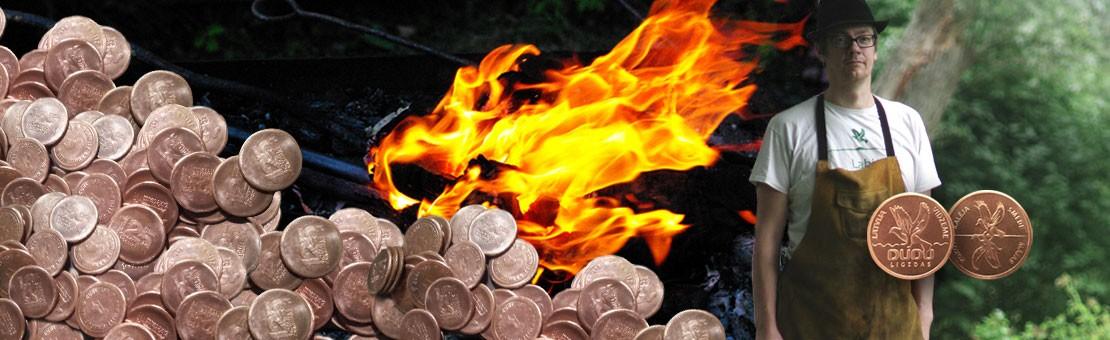Сувенирные монеты и кованые изделия